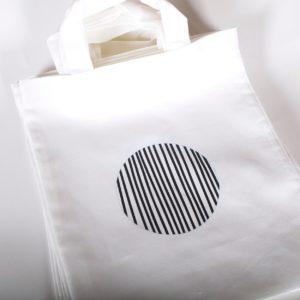 Kleine Tasche Graphic6